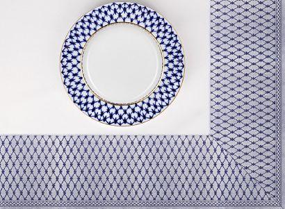 Скатерть 180x180 с синей каймой в подарочной упаковке